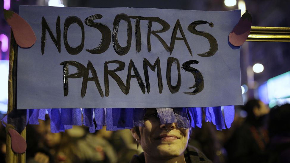paramos-jornada-manifestacion-Olmo-Calvo_EDIIMA20180309_0014_20